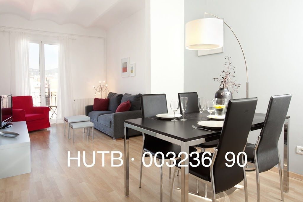 Central accommodation in Barcelona for 6 guests