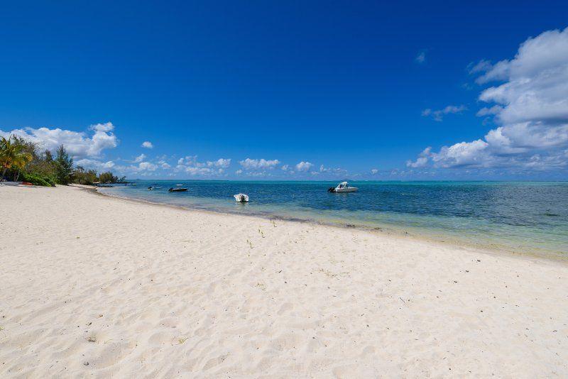 Dream Beach Villa - On the Beachfront