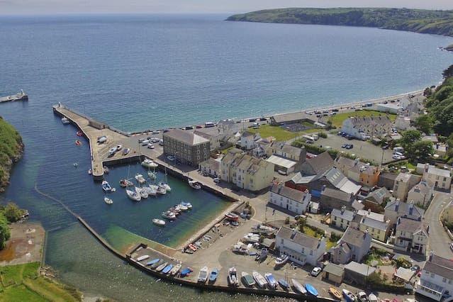 Coastal chic apartment on the shore of Irish Sea