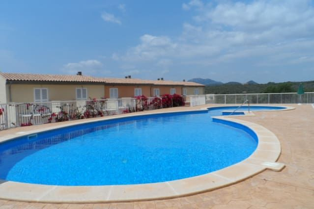 Flat with swimming pool in Cales de mallorca