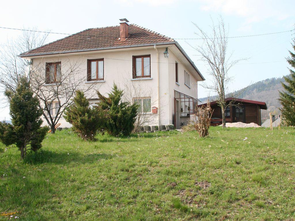 Residencia con jardín de 6 habitaciones