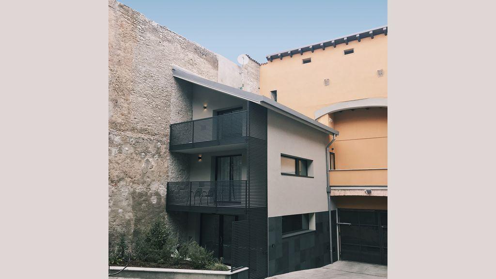 Residencia con balcón de 3 habitaciones