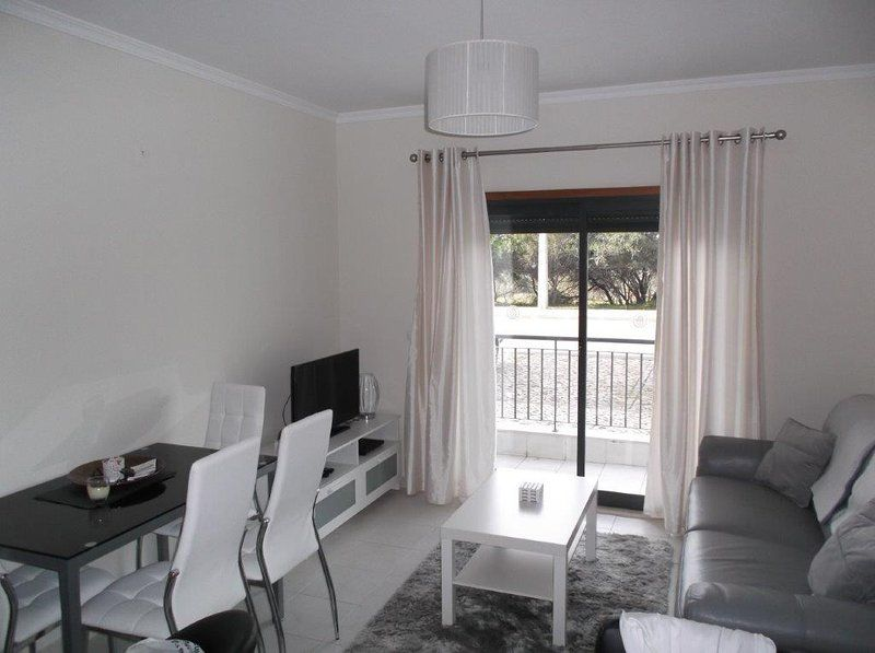 Flat with swimming pool for 5 guests