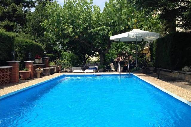 Villa Castellbell para 8 personas sólo 35 kilometros de Barcelona!