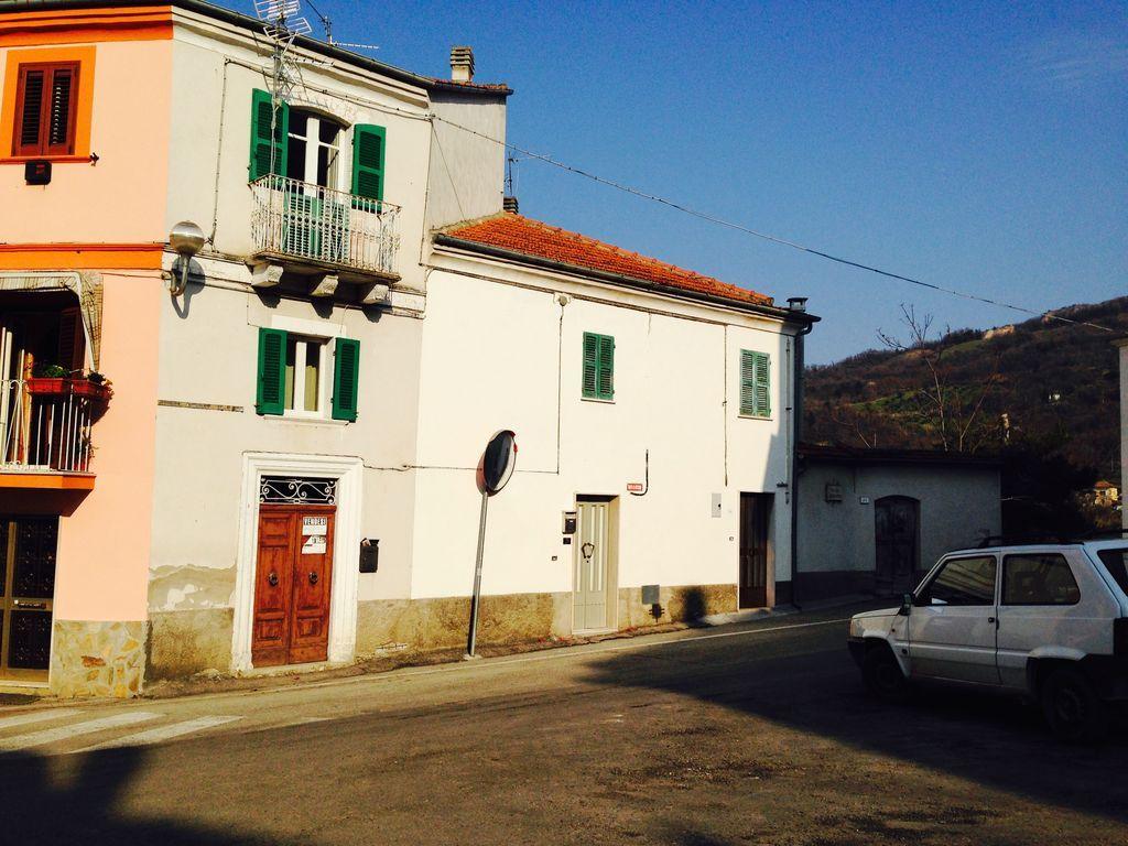 Alojamiento en Serramonacesca de 2 habitaciones
