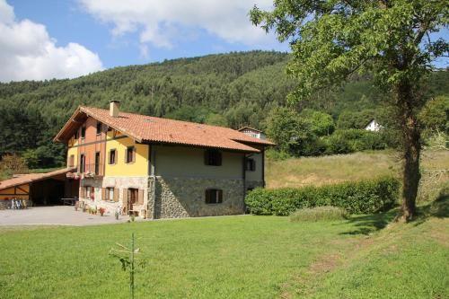 Residencia popular en Busturia