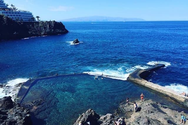 Vivienda con piscina en Puerto de santiago