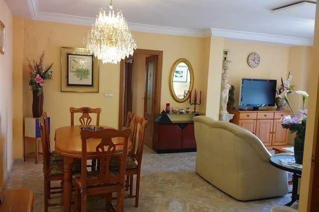 Apartamento en Dénia con  Sábanas y toallas