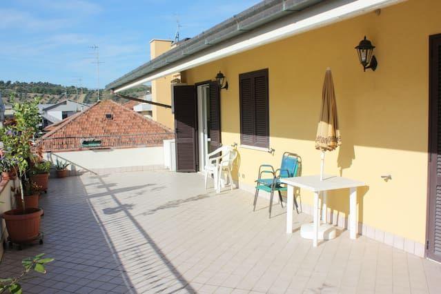 Piso en Alba adriatica con jardín