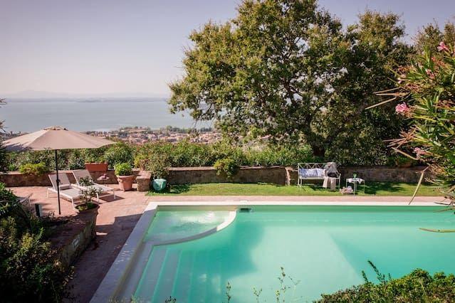 Alojamiento para 13 personas con piscina