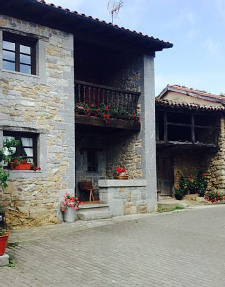 Casa de 4 habitaciones en Nava
