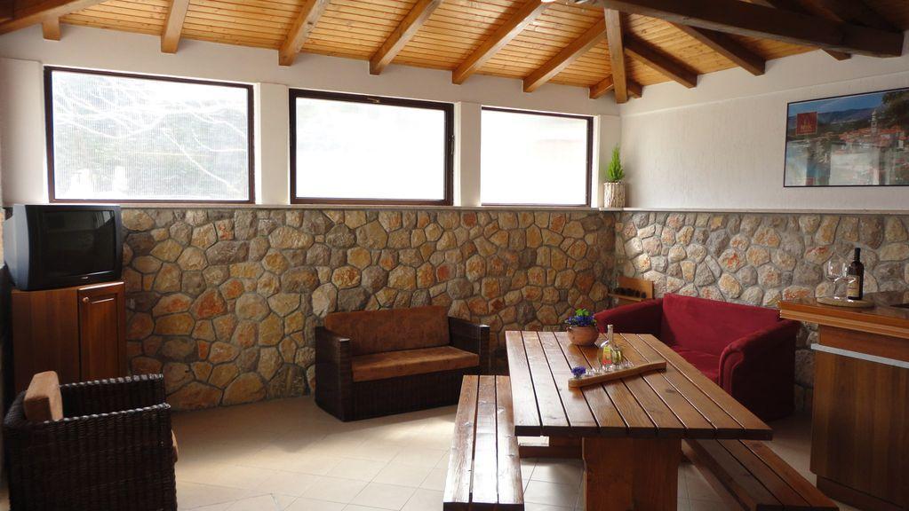 Apartamento vacacional con barbacoa, jardín, aire acondicionado y Wi-Fi