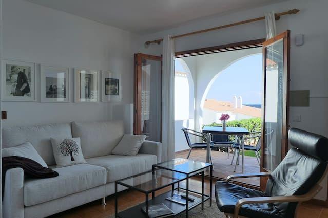 Bello apartamento con vistas al mar