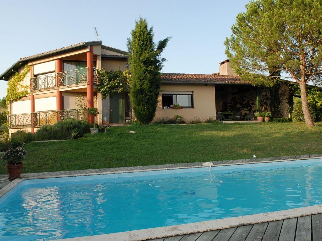 Alojamiento de 200 m² en Lamothe-capdeville