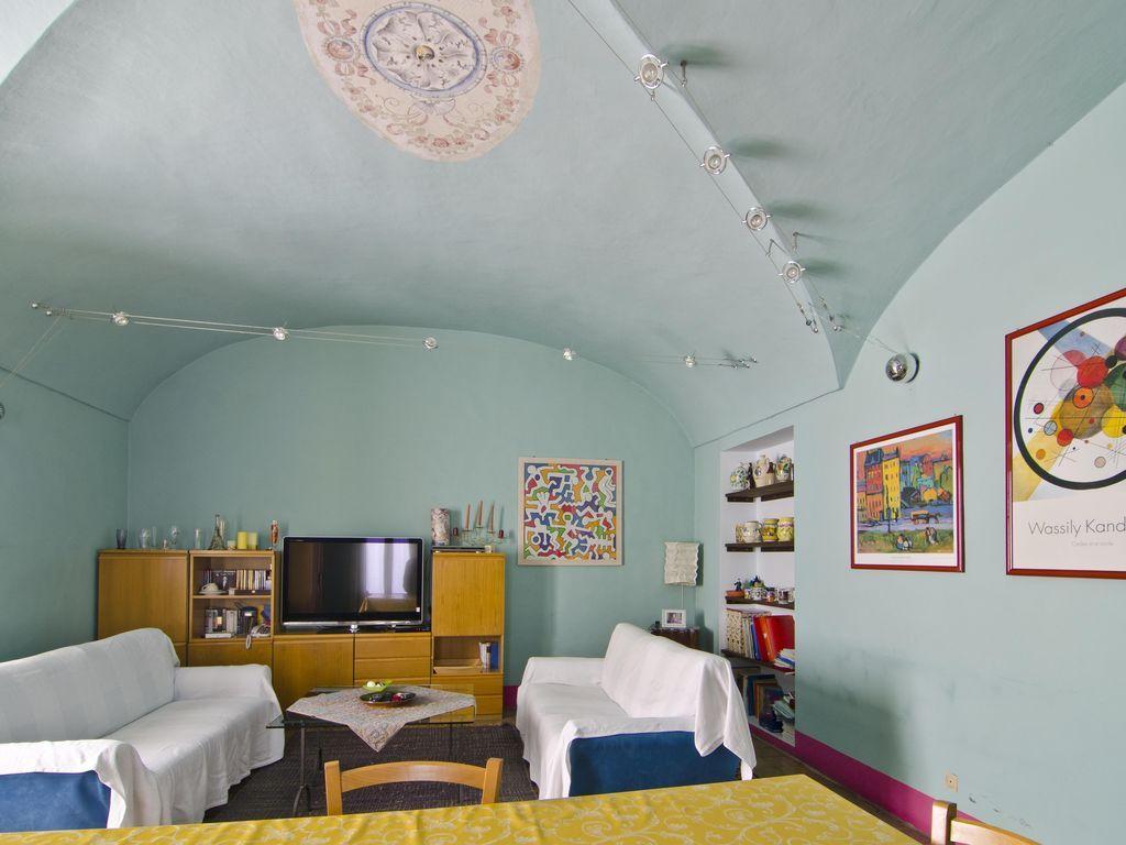 Abitazione con balcone di 130 m²