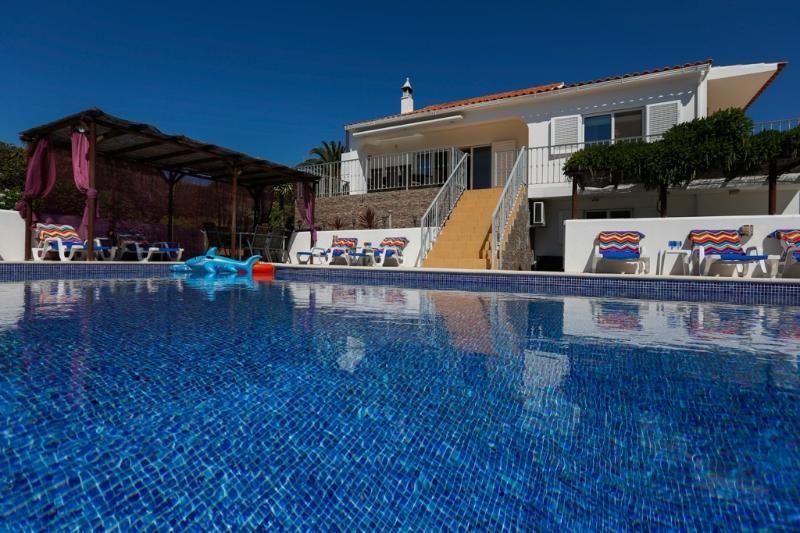Lujo Algarve Villa con piscina privada climatizada y casa de invitados en Guia