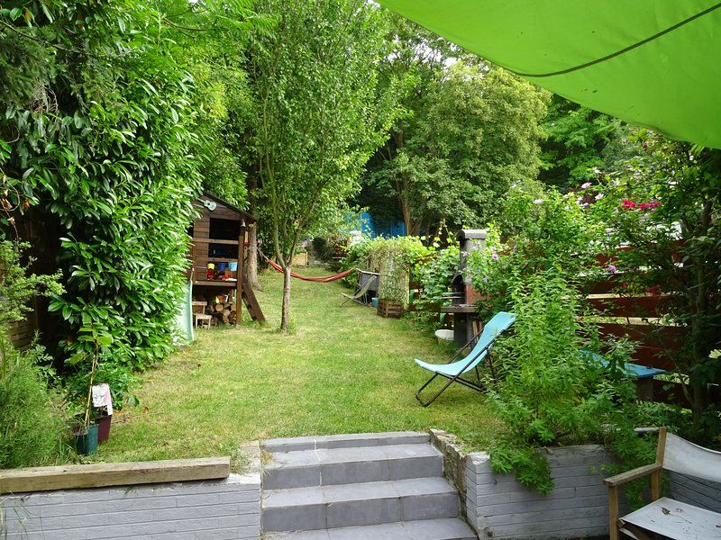 Family house 5 min from Paris!