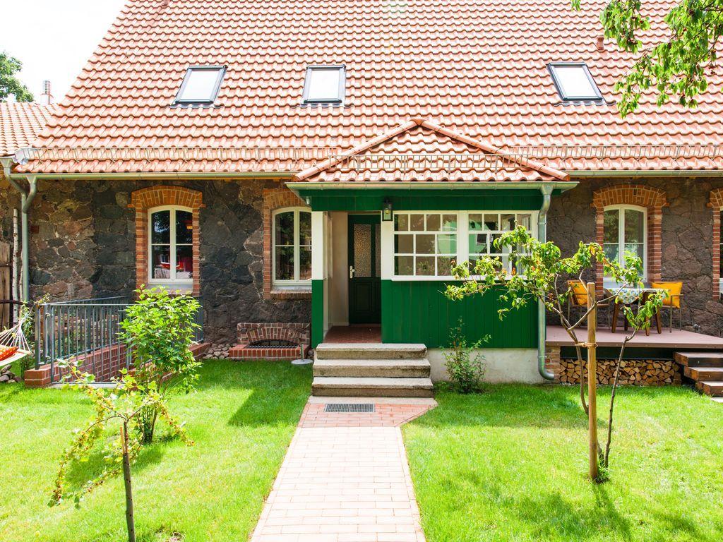 Apartment mit 2 Zimmern und Garten