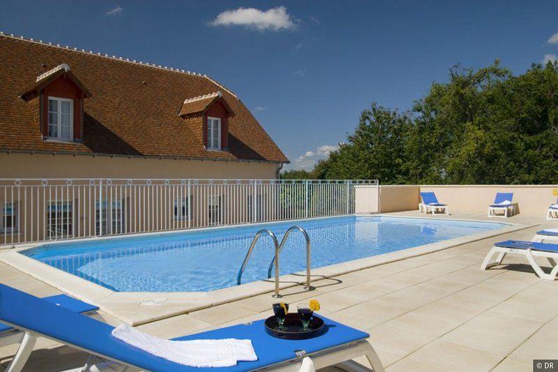 Alquiler de vacaciones con piscina en La Roche Posay de T1 a T4 100 metros de Thermes