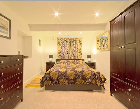 Lovely accommodation in Bath with Laundry and Kitchen