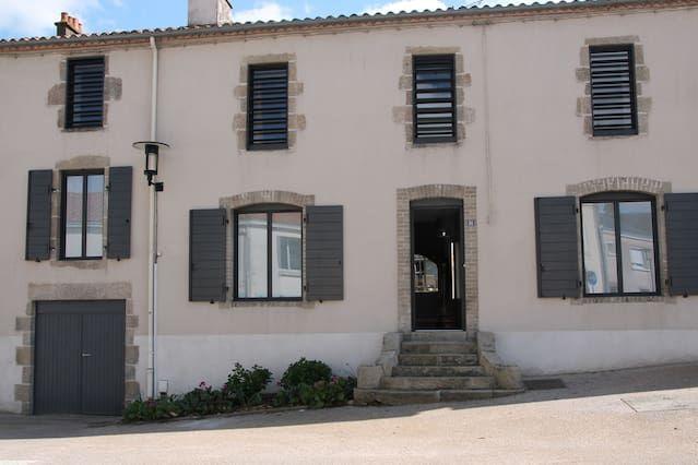 Vivienda de 1 habitación en Saint-laurent-sur-sèvre