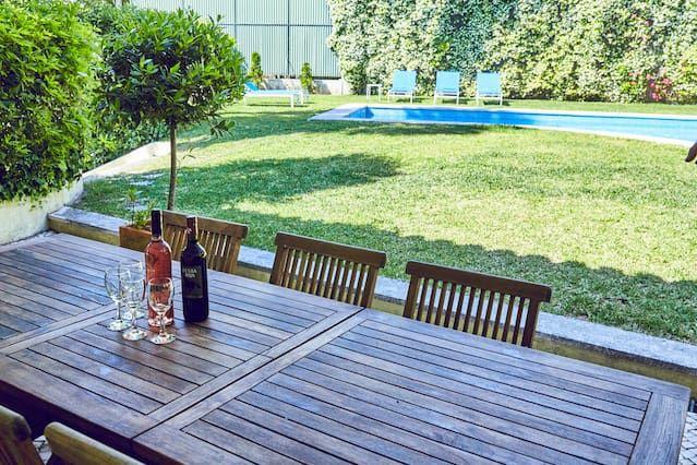 Alojamiento de 250 m² en Estoril