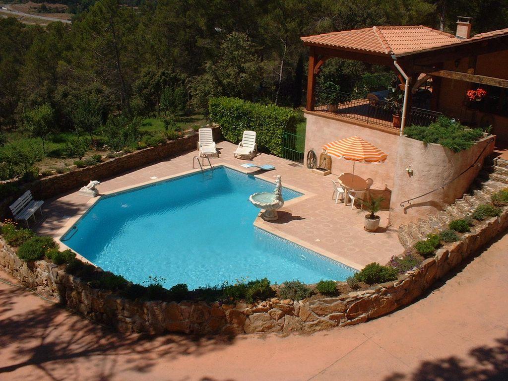 Residencia con balcón en Carnoules