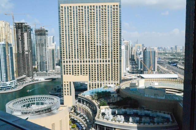 Holiday rental with balcony in Dubai