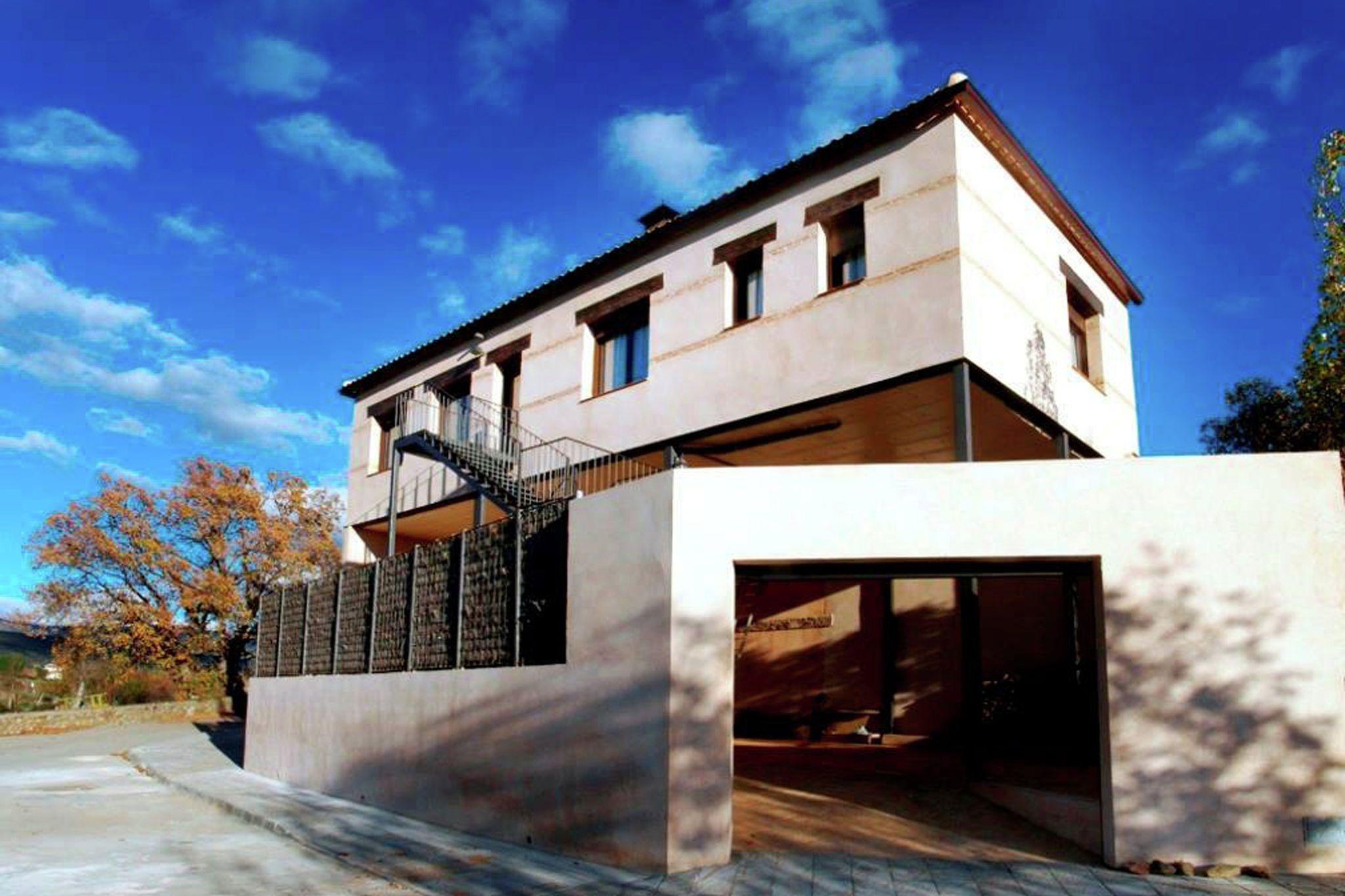 Residencia de 100 m² con balcón