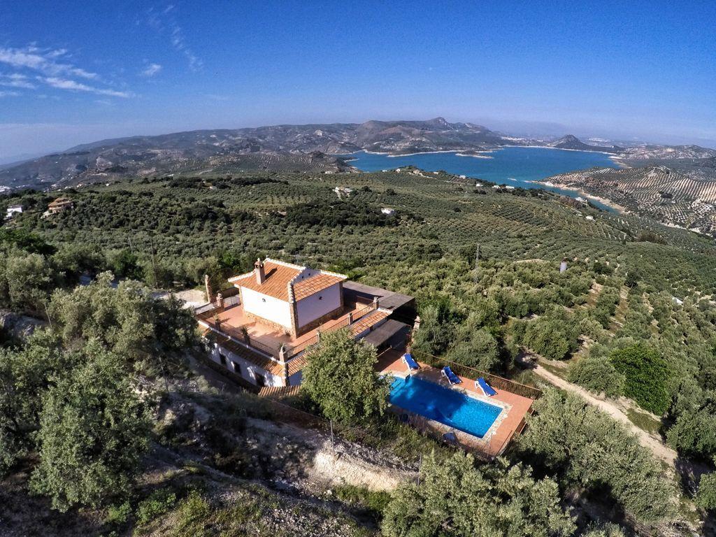 Casa de 140 m² en Iznajar