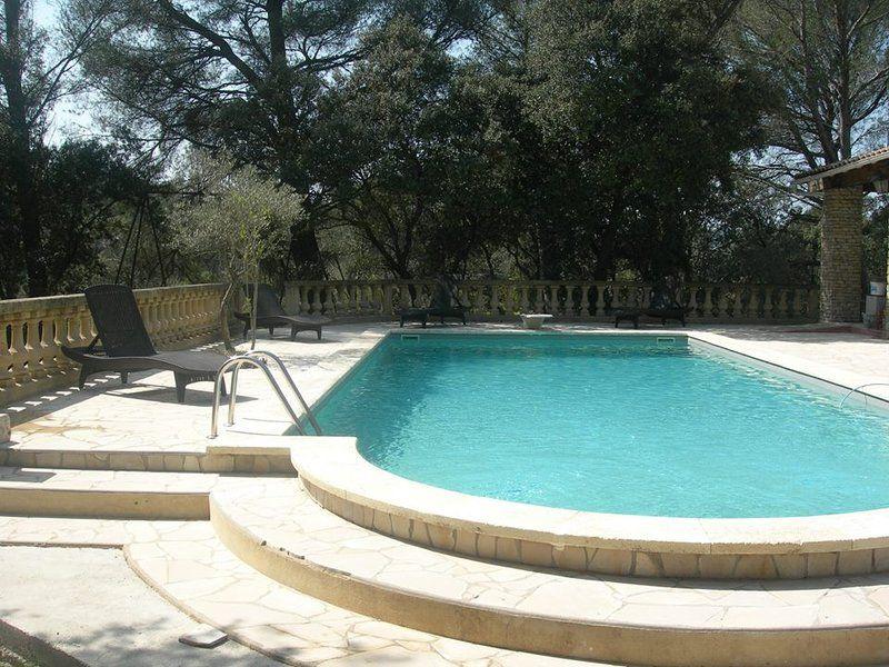Alquiler Provenza 2 pers piscina pista de bolera