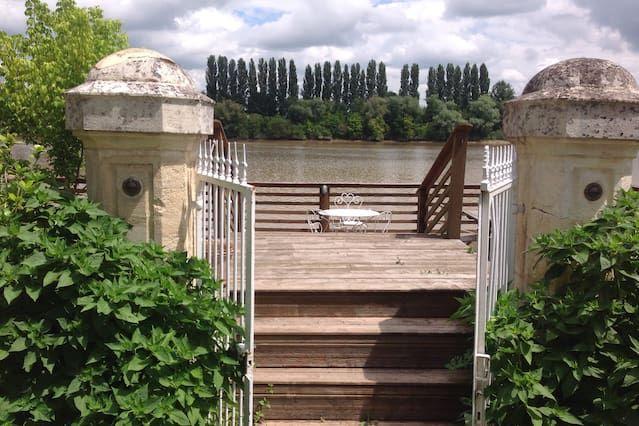 Casa popular con balcón