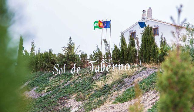 Provista residencia en Taberno