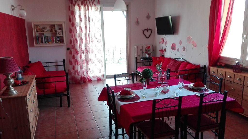 apartamento L'Olivo es brillante y situada en un pequeño paraíso en el lago Garda