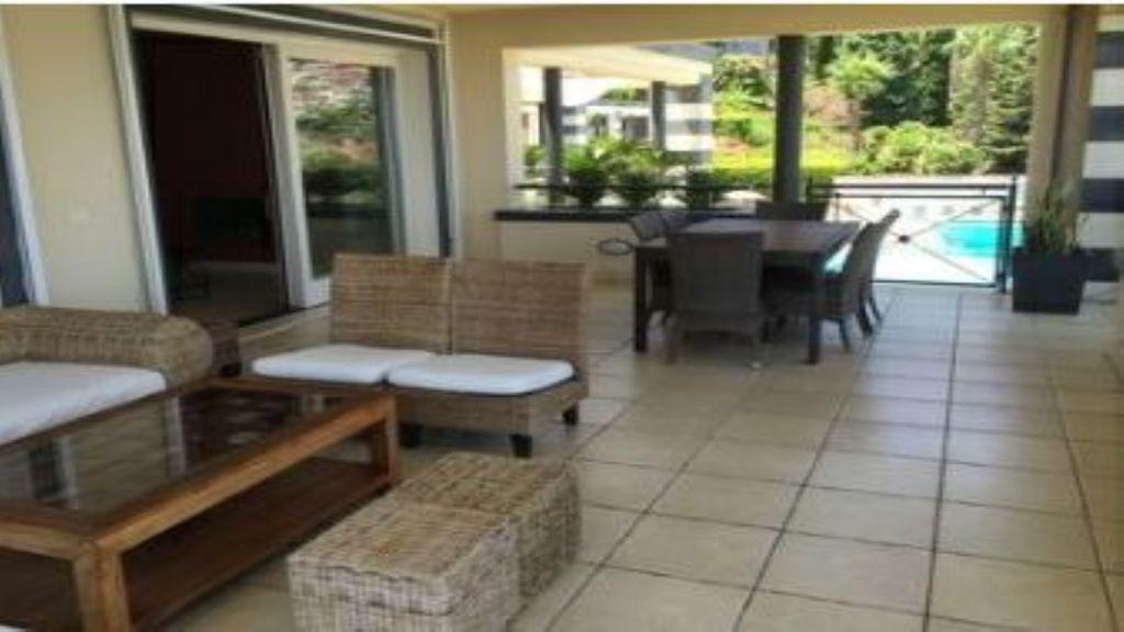 Alojamiento para 7 huéspedes con balcón