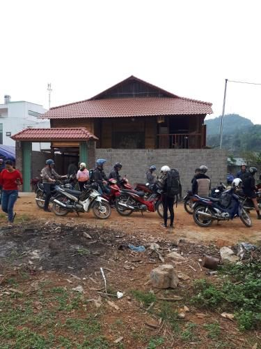 Vivienda con jardín en Làng lap