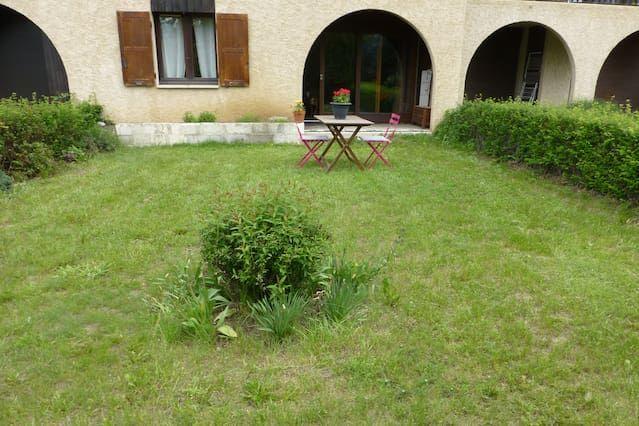 Piso con jardín en Briançon