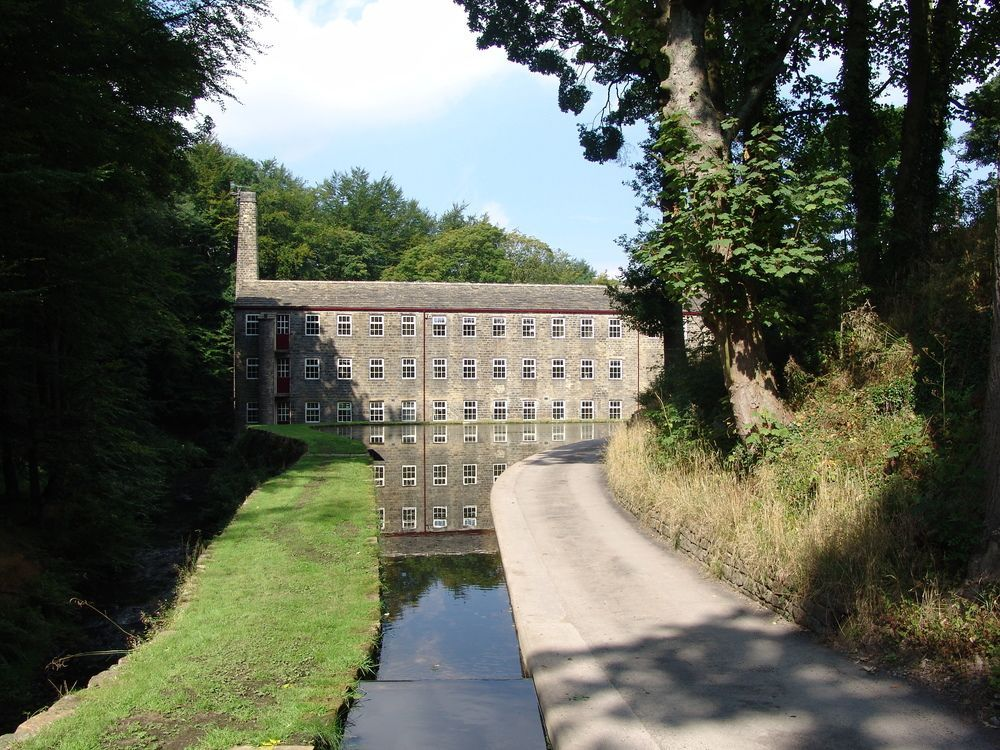 Hewenden Mill Cottages -Beautiful 3 bed town house