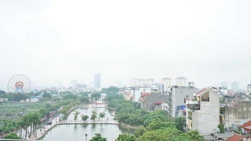 Apartamento en Hanói con balcón