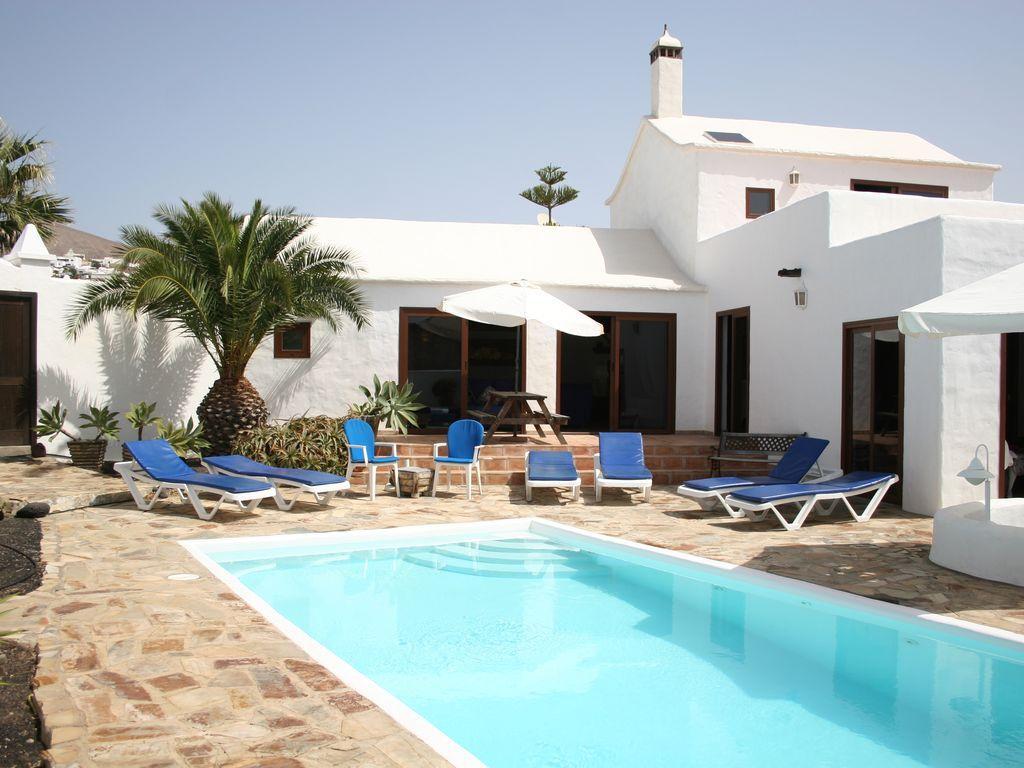 Alojamiento con piscina para 8 huéspedes