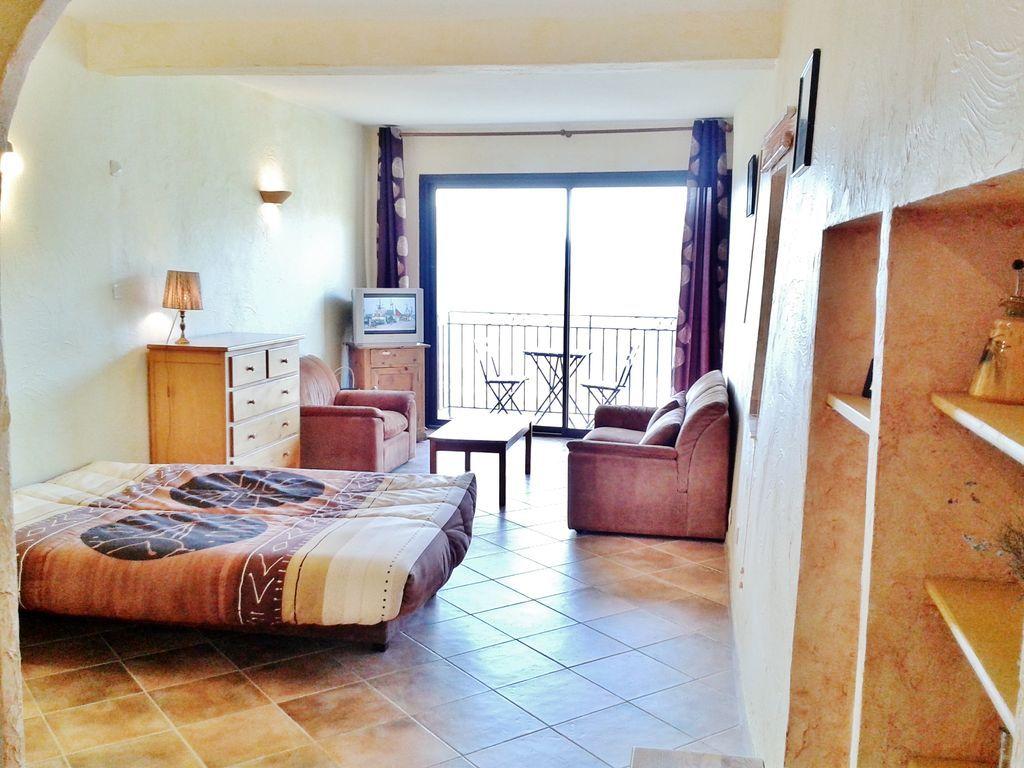 Hébergement de 30 m² avec balcon