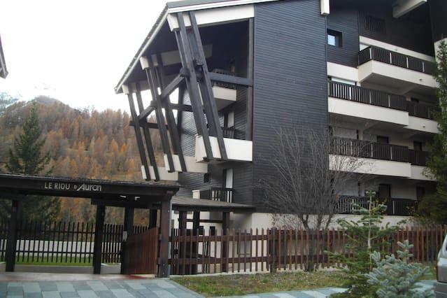 Alojamiento en Saint-étienne-de-tinée de 1 habitación