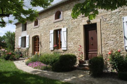Casa en Villeneuve-lès-montréal con jardín