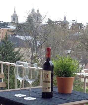 Amazing Apartment Escorial- with views