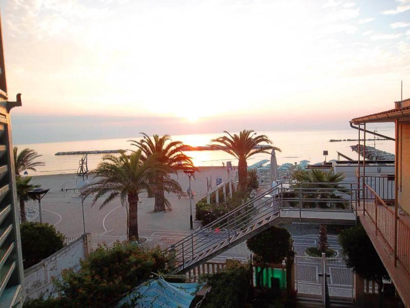 Apartment on the Beach - Marina grande