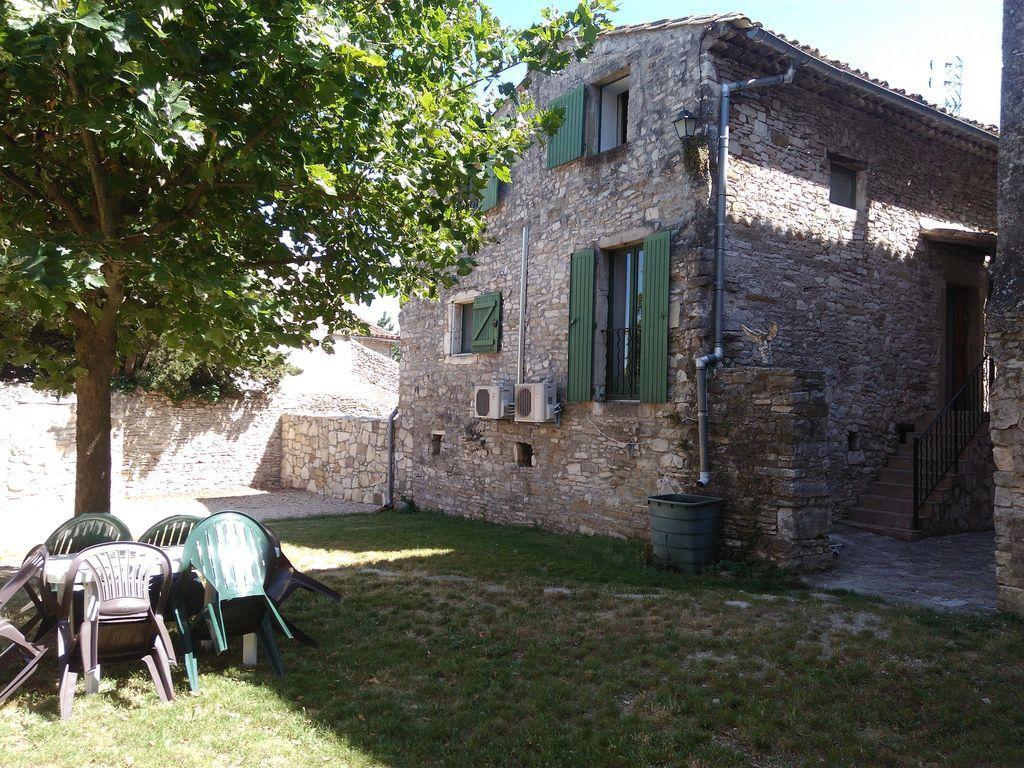 Casa con jardín en Vézenobres