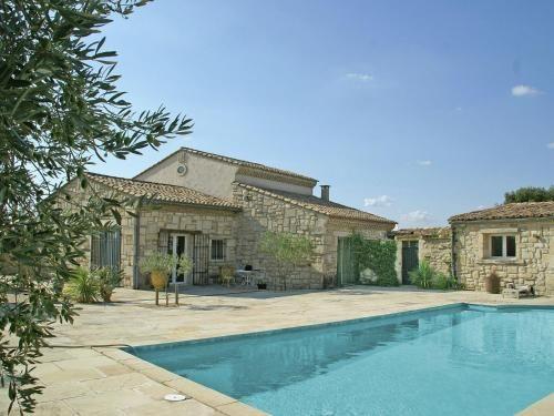 Residencia de 140 m² con piscina