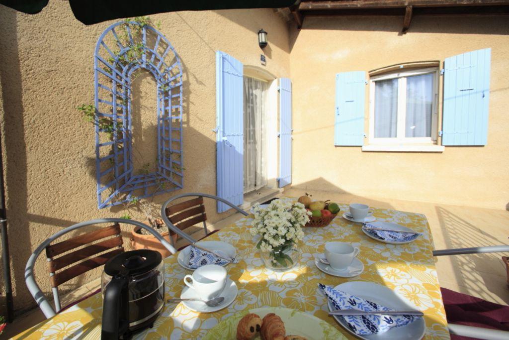 Chalet für 4 Gäste mit Garten