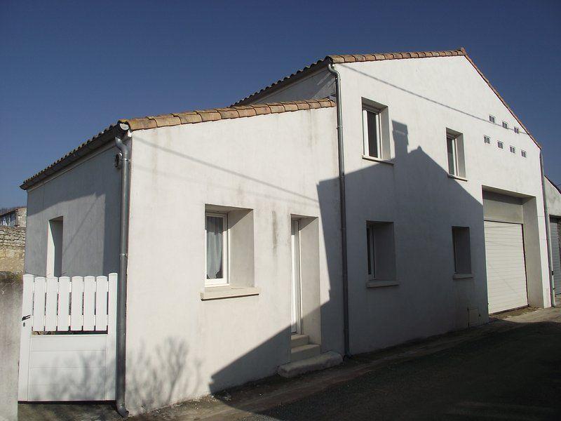 Residencia en Saujon con jardín