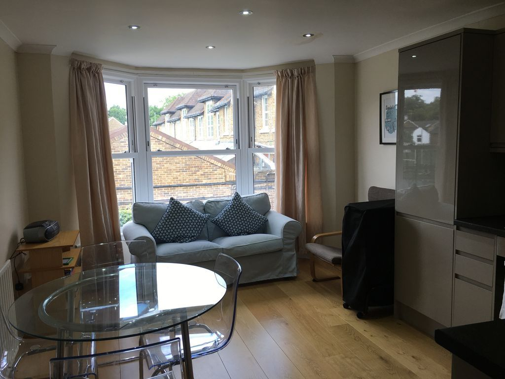 Property with wi-fi in Kingston upon thames